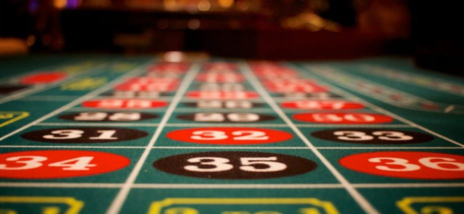 The History Of Gambling In India - Gambling